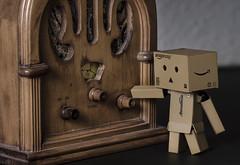 Danbo retro radio (Stroget) Tags: macro radio nikon box retro tuning fm danbo d5100