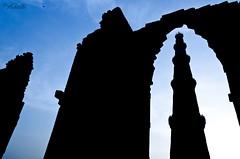 A Morning at Qutub !! (Piyush.Saxenaa) Tags: morning blue sky silhouette nikon bluesky qutub newdelhi qutubminar 18105mm d5100 nikon18105mmf3556 nikond5100 nikon18105mmafsdxzoomnikkorf3556gedvrlens