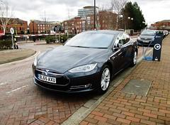 Tesla Model S (hyde.davewilliams2) Tags: models salfordquays tesla