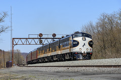 NS 4271 #956  Newport, Pa.-2 (Vince Hammel Jr) Tags: ns trains funit cabunit