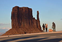 Monument Valley (Kevin.Donegan) Tags: light sunset shadow arizona usa america landscape utah photo butte monumentvalley