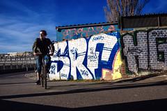 Park am Gleisdreieck, Berlin (Fliwatuet) Tags: park berlin kreuzberg germany de deutschland graffiti panasonic ostern gleisdreieck m43 mft em5 20mm17 olympusomd