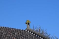 Dak kerk Ary van der Spuyweg (paul naveda) Tags: roof church stone cross denhaag kerk thehague dak steen kruis
