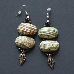 coquillages (fabrikarine) Tags: fleur vintage collier bijoux plastic boucle fou cuivre doreille