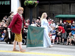 Middle Earth (Wrath of Con Pics) Tags: cosplay lordoftherings dragoncon galadriel thehobbit dragonconparade dragoncon2012