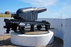 NS-00142 - Nine-Inch Rifled Muzzle-Loading Gun (archer10 (Dennis) (73M Views)) Tags: canada history novascotia harbour fort military sony free dennis jarvis halifax fortifications parkscanada yorkredoubt iamcanadian 18200mm mirrorless nationalhistoricsiteofcanada freepicture 1650mm dennisjarvis a6300 archer10 dennisgjarvis ilce6300