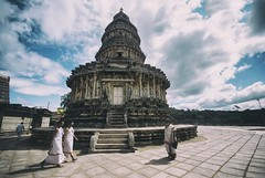 Sri Vidhyashankar Temple. (Prabhu B Doss) Tags: india temple mutt nikon shiva sharada sigma1020mm travelphotography sringeri hoysala shankaracharya incredibleindia d80 templearchitecture peedam prabhubdoss peetam