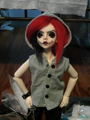 IMG_3646 (teh kiwi) Tags: red black scary bjd stiches dollzone