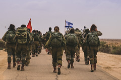 Caracals Beret March (Israel Defense Forces) Tags: soldiers coed caracal womensoldiers southernisrael femalesoldiers womenoftheidf beretmarch