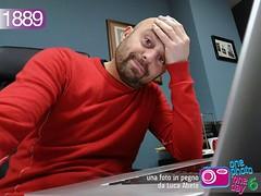 Foto in Pegno n° 1889 (Luca Abete ONEphotoONEday) Tags: me work notebook 1 desk tired monday job 1889 selfie febbraio 2016 lunedì stanco stanchezza