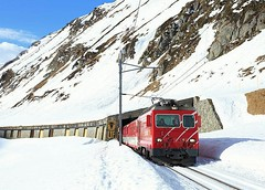 HGe 4/4, Oberalppass, 3 Feb 2015 (Mr Joseph Bloggs) Tags: railroad alps train switzerland swiss railway rack matterhorn bahn treno mgb andermatt oberalp gotthard oberalppass disentis hge44