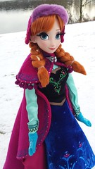Anna's First Snow (myuoi) Tags: winter anna snow march frozen outfit doll gear disney 17 walt limited edition inches elsa fever 2014 deboxed arendelle