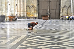 Observation (JDAMI) Tags: france nikon cathédrale 80 amiens gothique picardie somme d300 labyrinthe carrelage