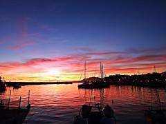 Crepsculo (Antonio Chacon) Tags: sunset espaa sol atardecer mar spain agua andalucia cielo nubes costadelsol puestadesol mediterrneo mlaga marbella