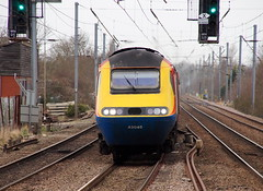 East Midlands Trains HST lead by 43045 passing south through Flitwick (Mark Bowerbank) Tags: by south trains east passing through lead midlands hst flitwick 43045