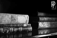 Libros (-Patt-) Tags: old blackandwhite bw blancoynegro uruguay books bn montevideo libros antiguo veraneo chinazorrilla museozorrilla