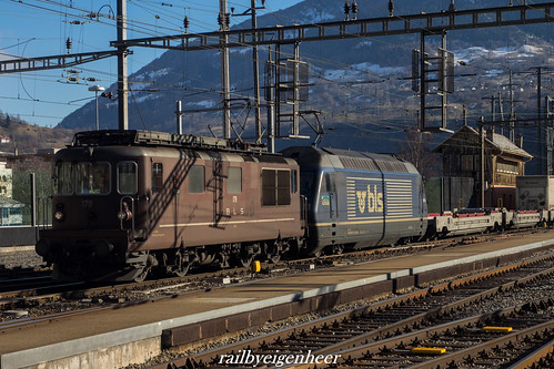 BLS Cargo Re 425 179 + Re 465 011