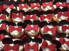 Minnie Mouse cupcakes, Johnson County, IA, www.birthdaycakes4free.com
