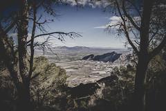 Ventana natural. (@IvanSivila) Tags: mountains forest landscape woods sierra alicante bosque montaña naranja senderismo orihuela alacant nikond3200 oriola