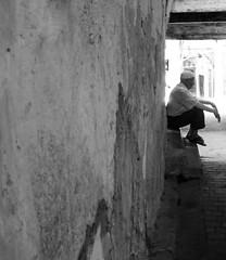 Fes (mariamartins155) Tags: old white black homem fes marrocos