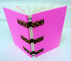 Pink-and panther bookbinding - DSC02682 (Dona Mincia) Tags: pink art livro bookbinding panther caderno oncinha rosachoque encadernaoartesanal bydemand