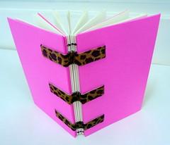 Pink-and panther bookbinding - DSC02682 (Dona Minúcia) Tags: pink art livro bookbinding panther caderno oncinha rosachoque encadernaçãoartesanal bydemand