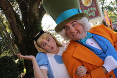 Alice and the Mad Hatter (MediumHero6) Tags: face orlando mine florida alice character parks disney wdw waltdisneyworld madhatter mk magickingdom fantasyland aliceinwonderland disneyparks facecharacter