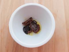 Hummus de tomates secos (Galletas para Matilde) Tags: hummus garbanzos albahaca tomatessecos