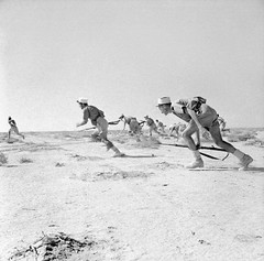Free French Foreign Legionnaires assaulting an enemy strong point at Bir Hakeim. North Africa, 1942 [800x792] #HistoryPorn #history #retro http://ift.tt/1rKhMKi (Histolines) Tags: africa history french point north free an retro timeline strong 1942 foreign bir enemy legionnaires assaulting vinatage hakeim historyporn histolines 800x792 httpifttt1rkhmki