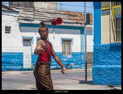 Uma Paradinha no Sinal (AmatoGabi) Tags: street brazil minasgerais brasil canon ensaio photography photo retrato mg malabares expresso ensaiofotografico sojoodelrei 3580mm canon400d ensaiomasculino lente3580mm ensaiofotograficomasculino gabrielaamatofotografia