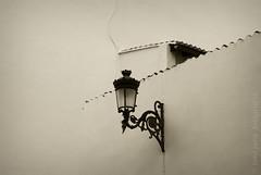 (toni jara) Tags: bn farol cabanyal virado minimalista monocromtico alumbrado geometras canyamelar pobladosmartimos
