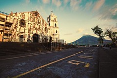 #Daraga Church with Mt. #Mayon in the background. (hijo_de_ponggol) Tags: church mt with background mayon daraga
