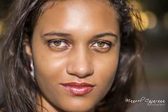 Tita (operacaoanaconda) Tags: nova olhar retrato amor mulher olhos beleza fotografia verdes jovem juventude olhor