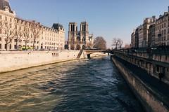 Paris (Marcosnr92) Tags: old city bridge sky paris architecture landscape photography gold europe photographer place horizon beatiful iphone vscocam iphone6s shotoniphone6s