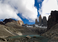 Torres del Paine, Chile (javi.velazquez) Tags: chile sky mountain lake mountains colors rock landscape lago cloudy colores rocas montaas torres paine nuboso