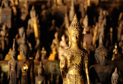 Pak Au Caves (Saleha Ullah) Tags: temple buddha au cave laos pak