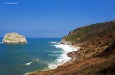 paisaje 64 (rokobilbo) Tags: sea sky mountain landscape island ride breeze gaztelugatxe