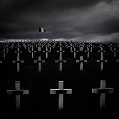 La Guerre (Clydomatic) Tags: alsace guerre nuit croix drapeau cimetière nécropole sigolsheim cimetièremilitaire
