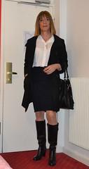 DSC_0066r (magda-liebe) Tags: paris stockings glasses boots outdoor skirt tgirl crossdresser outgoing travesti