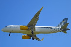 """You're the vueling that I want"" Vueling Airlines EC-MEL Airbus A320-232 Sharklets cn/6450 @ LFPO / ORY 23-04-2015 (Nabil Molinari Photography) Tags: that 22 jan youre sl want 02 airbus feb dd airlines ff 2015 ory vueling a320232 6450 i lfpo ecmel v2527a5 sharklets esjr 344646 23042015 yourethevuelingthatiwant cn6450 viewdaxat"