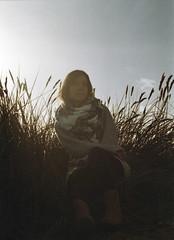 Anne (Jan Meifert) Tags: autumn light sun film beach against colors strand analog 35mm anne colours jan herbst 200 analogue expired sonne kiel solaris farben gegenlicht förde ferrania kieler herbstfarben falckenstein berli meifert