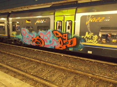art of hustle (en-ri) Tags: train writing torino graffiti rosa giallo azzurro nero arancione zoeb obez boez