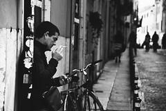 Smoke (Marta Marcato) Tags: street bw white man black standing blackwhite strada smoke streetphotography smoking uomo bianco nero biancoenero fumo fumare nikond7200