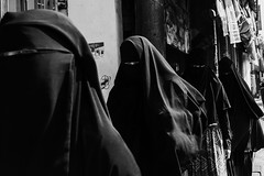 85/365 (Nico Francisco) Tags: street blackandwhite project eyes hijab 365 niqab burqa 366