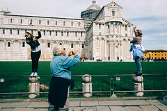 Strangers in Pisa (Andrea Scire') Tags: street urban art photography streetphotography tourist pisa turisti italianstreetphotography andreascirè