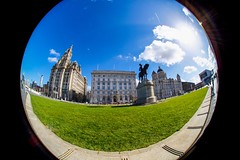3 Graces - centre of the world (manchesterblue59) Tags: uk liverpool easter nikon sunny scouse