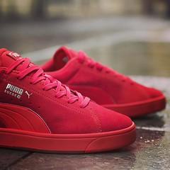 La Puma Sude S est une... (konsortium.avignon) Tags: red rouge mono shoes s sneakers sneaker puma avignon suede sneakerhead konsortium sneakerfreaker igsneakercommunity instashoes uploaded:by=flickstagram instagram:photo=1160072453769308935329377217