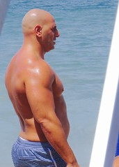 IMG_1104 (danimaniacs) Tags: shirtless man hot sexy guy beach pecs back beefy bald trunks swimsuit stud mansolo