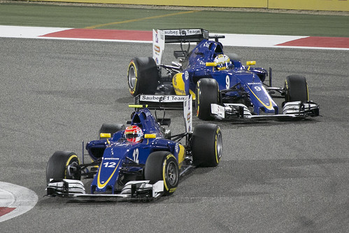 F1 race - Sauber fighting Nasr and Ericsson