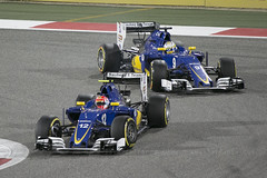 F1 race - Sauber fighting Nasr and Ericsson (JaffaPix .... +2.5 million views, thanks!) Tags: cars race racecar ericsson f1 grandprix sauber formula1 motorsport nasr sakhir carrace f1bahrain bahraingrandprix motorrace sauberf1 gulfairgrandprix jaffapix f12016 davejefferys jaffapixcom f1bahrain2016